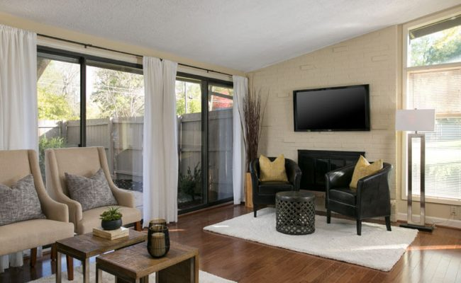 PrairieVillage-midcentury-Living-Room1